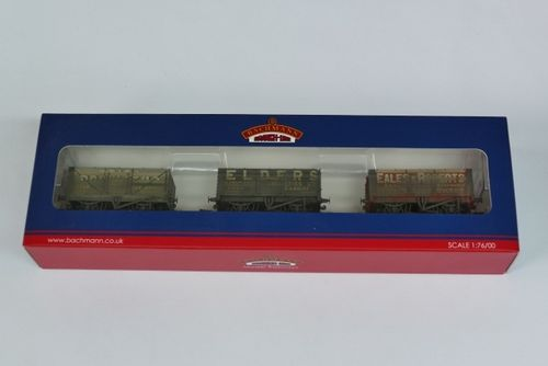 Triple pack 7 plank wagons
