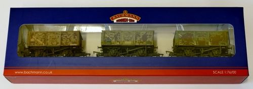 Triple pack 16T mineral wagons